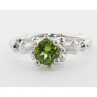 Motif Ring, Peridot & White Gold