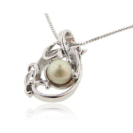Sea Wind Pendant, Pearl in Silver