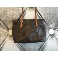 Louis Vuitton Totally MM Monogram Tote