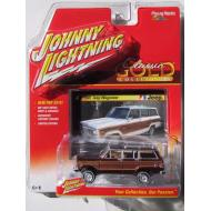 Johnny Lightning 1981 Jeep Wagoneer Burgundy Classic Gold 2016 Series 1:64 Scale Diecast Model Car