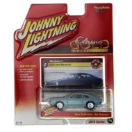 Johnny Lightning 1972 Ford Maverick Classic Gold 2016 Series 1:64 Scale Diecast Model Car