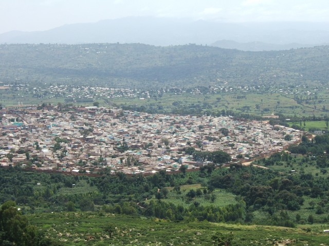 Town_of_Harar_with_Citywall