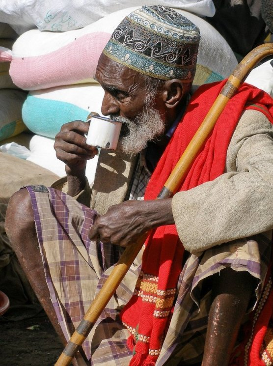Old_man_in_Harar