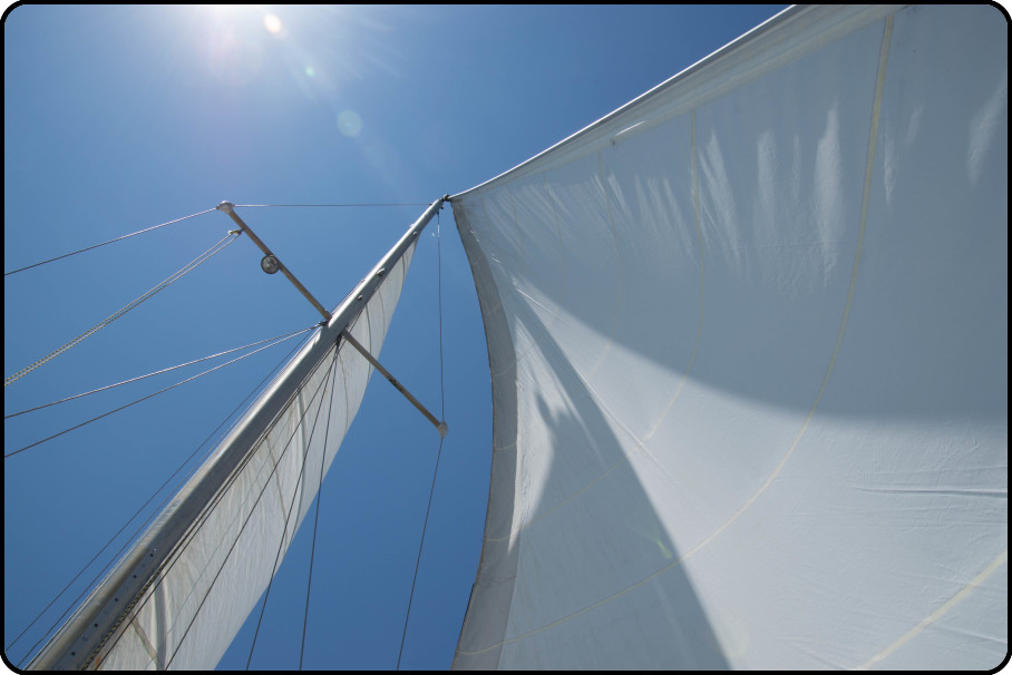 Columbia 28' Under Full Sail