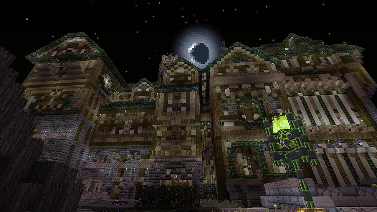 8 Spooky Minecraft Haunted Houses And Towns