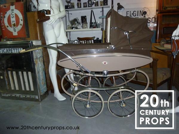 1: Vintage pram / pushchair