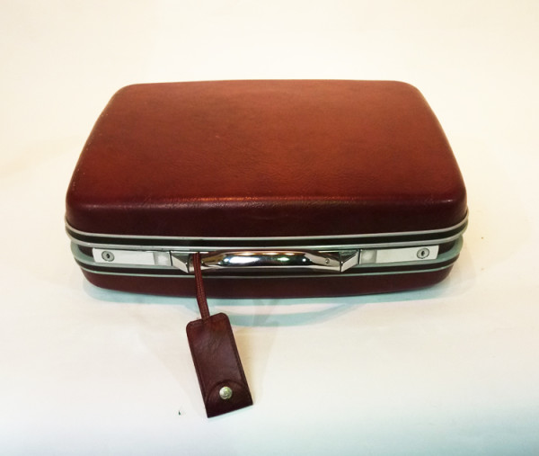 4: Dark Red Hard Shell Suitcase