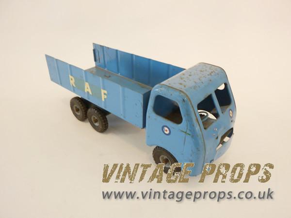 1: 1940's RAF toy tin truck