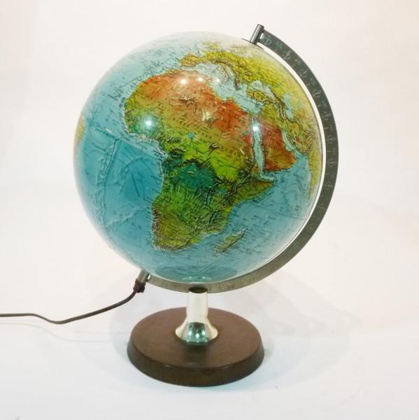 1: Illuminated vintage globe