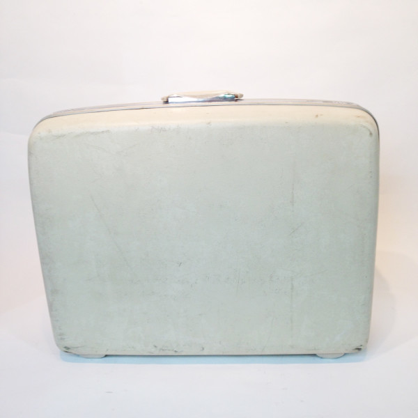4: Cream Hard Shell Suitcase