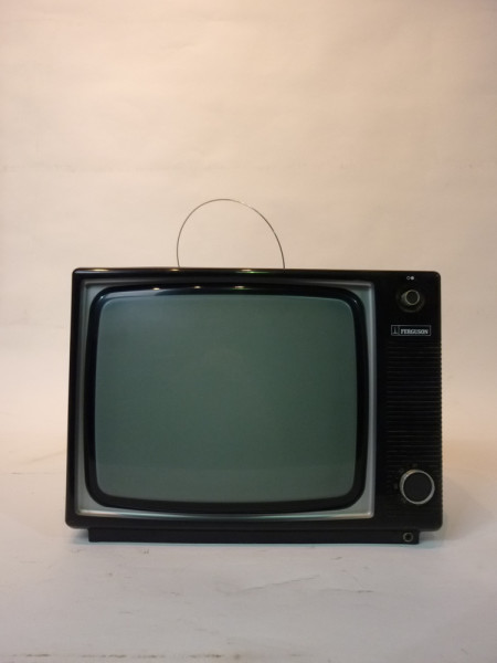 3: Retro Wood Finish 1970's TV