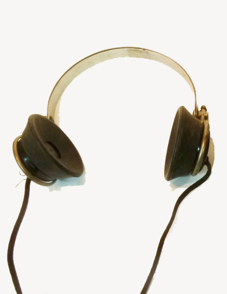 1: Vintage Radio Receiver Headphones