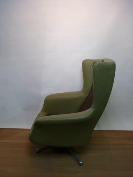 2: Green 1960's Retro Swivel Chair