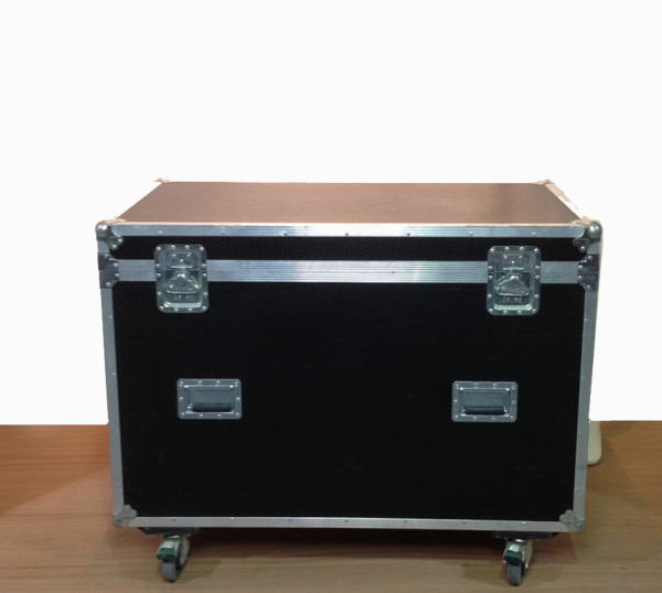 1: Large Black Flight Case on Wheels