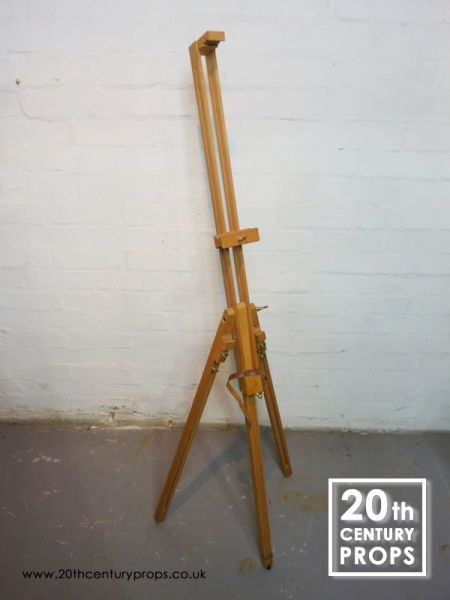 1: Artists Easel