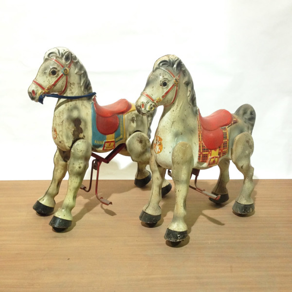 1: Mechanical toy horses