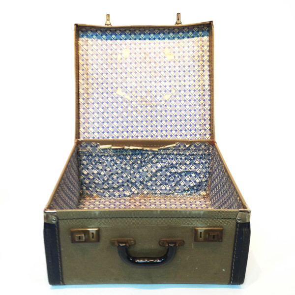 1: Small Patterned with Blue Trim Travel Case