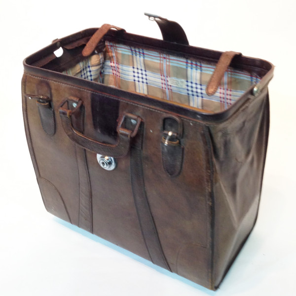 3: Brown Leather Doctors Open Top Case