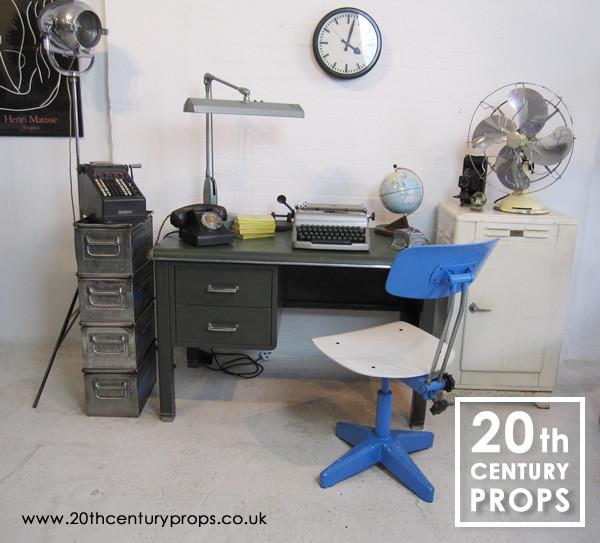 1: Industrial room set