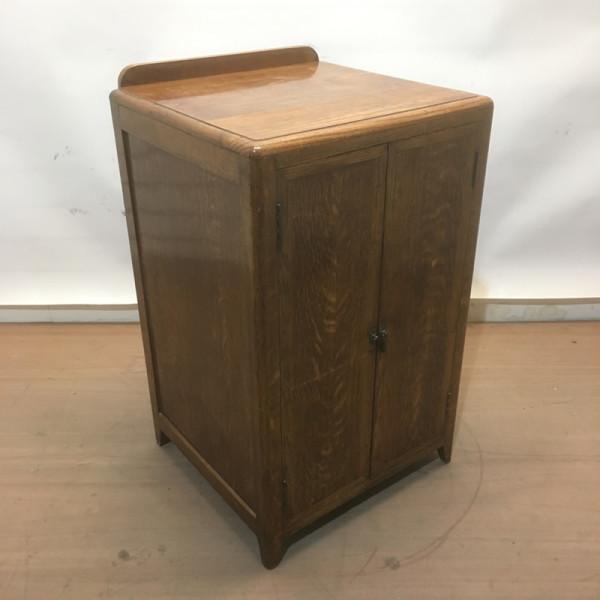 3: Oak plinth / cabinet