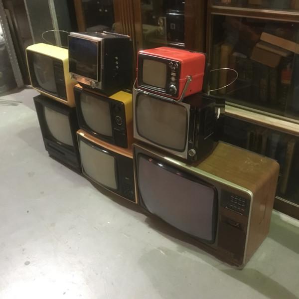 2: Stack of vintage TV's