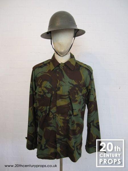 2: Vintage army shirt & helmet