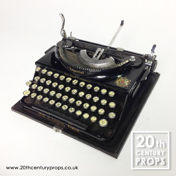 1: Vintage IMPERIAL typewriter