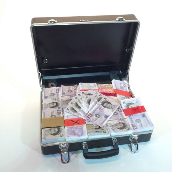 1: Fake money in briefcase - Pounds Sterling