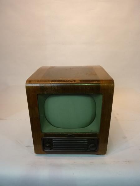 1: Vintage 1940's TV