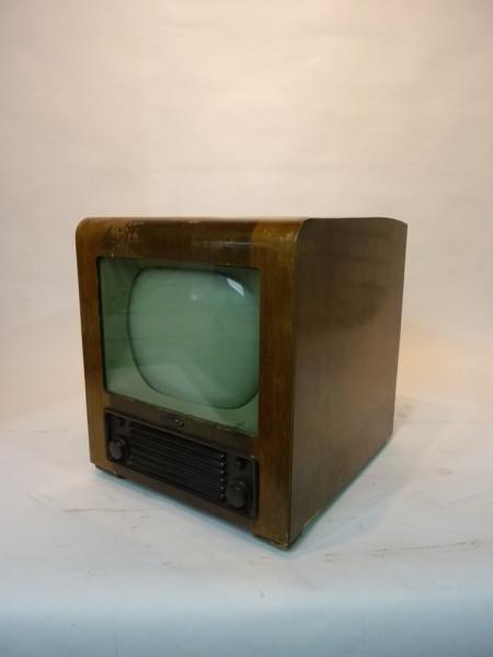 2: Vintage 1940's TV