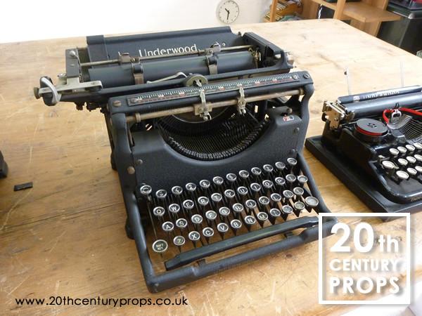 1: Vintage Typwriter