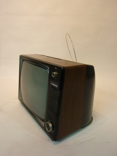 2: Retro Wood Finish 1970's TV