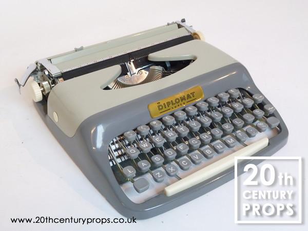 2: Vintage DIPLOMAT typewriter