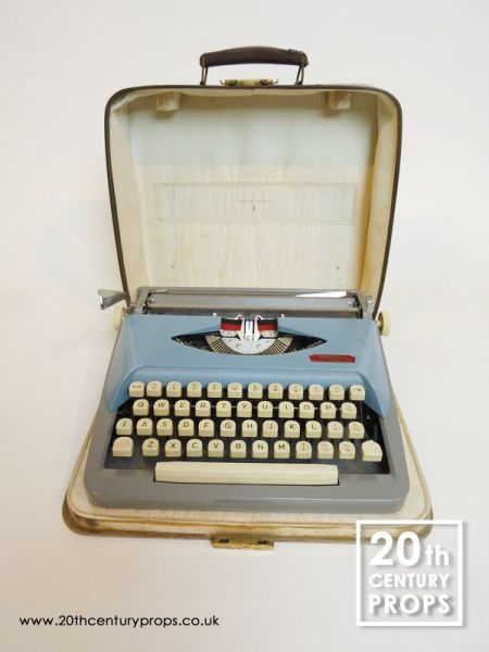 2: Vintage Typewriter with carry case