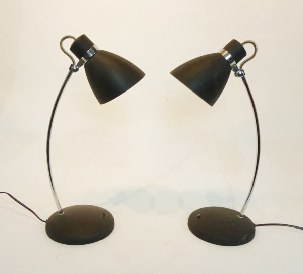 2: Black Posable Desk Lamp