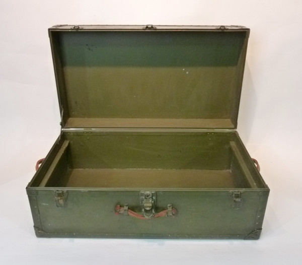 5: Green Wooden Vintage Chest
