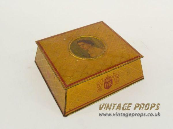 2: Vintage tin