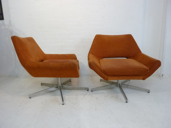 2: Orange Retro Low Lounger Chair