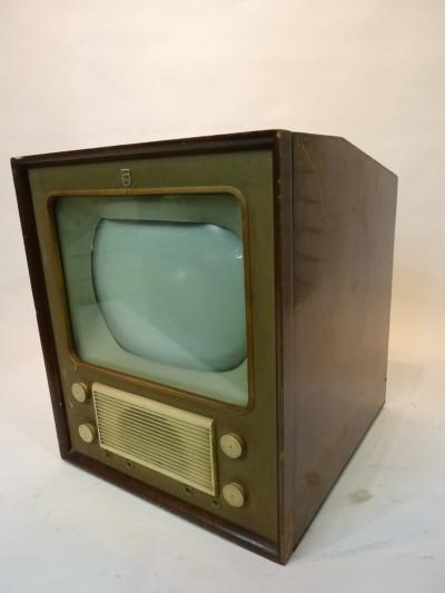Vintage 1940's TV 2
