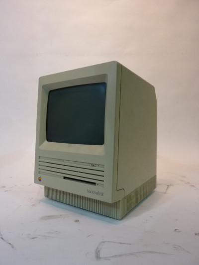 Retro Apple Mac Computer 1980 Edition