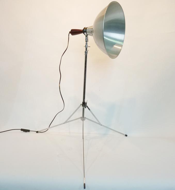 Wimbledon Stadium Lights: Silver Studio Spotlight