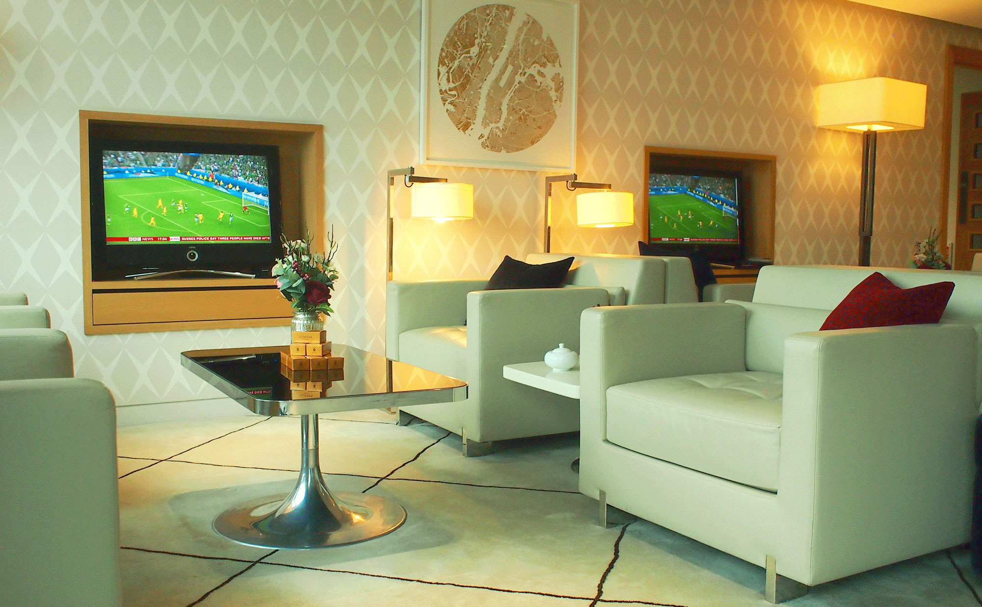 London City First Class Lounge (LCY) - The World\'s Most Affordable ...
