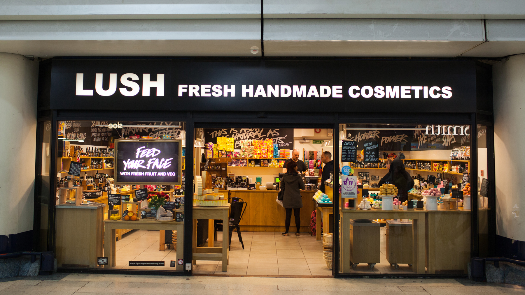London Victoria Lush Fresh Handmade Cosmetics Uk