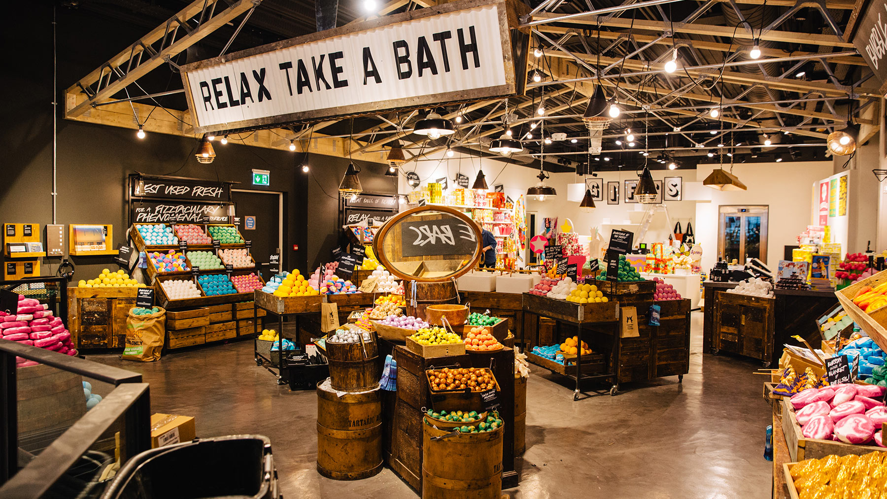 Welcome To Lush Oxford Street Lush Fresh Handmade