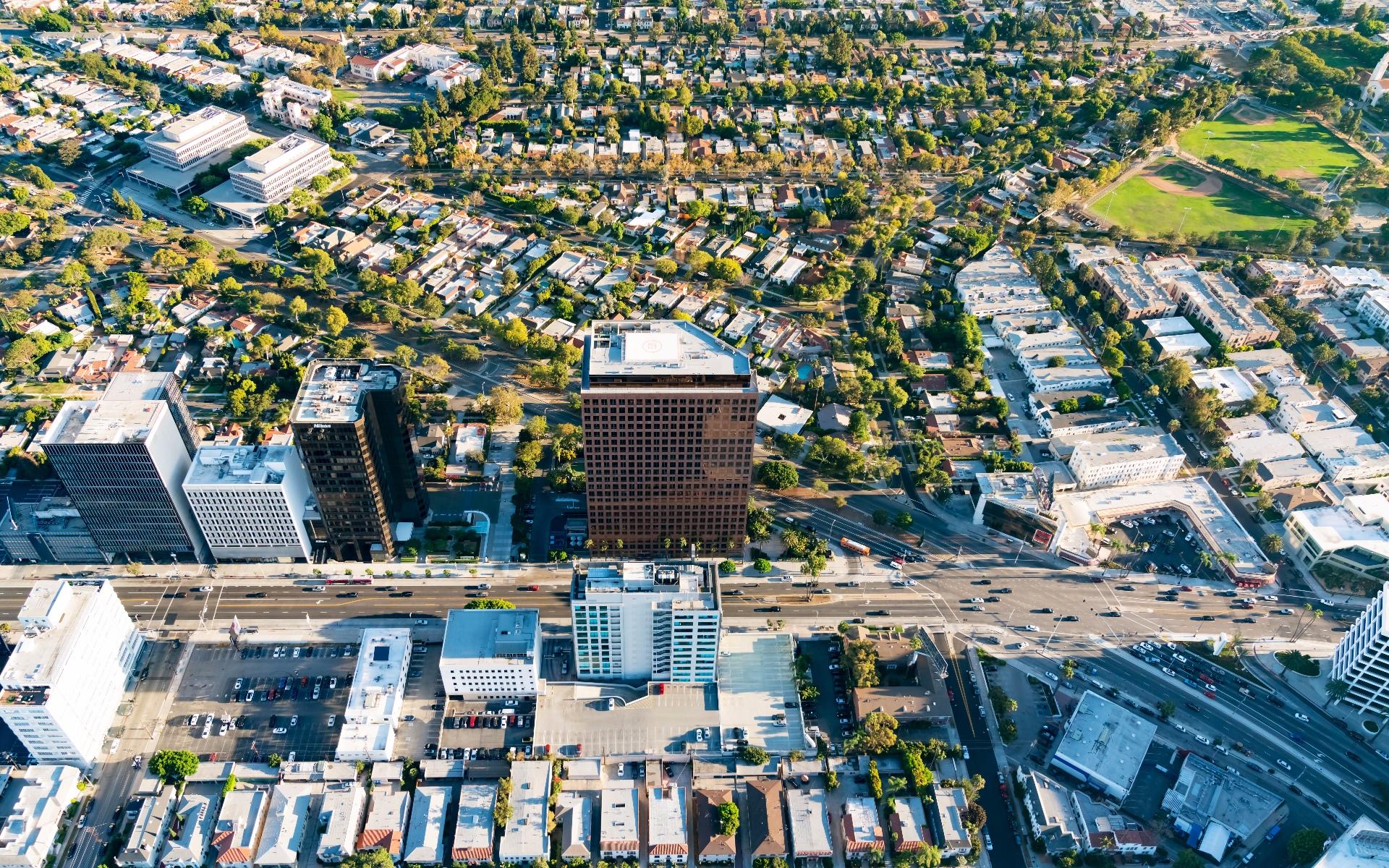 Jade Mills Beverly Hills Real Estate Agent Luxury Homes Bel - Design tech homes pricing