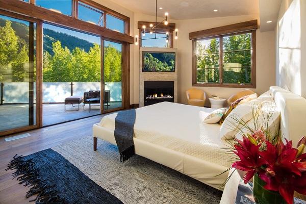 Riverside Master Suite