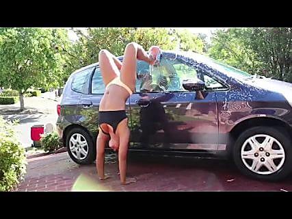 Автомойкой с девушками в бикини уже мало кого удивишь в Магадане « автомагадан