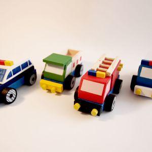 Auto 4 modelos de madera
