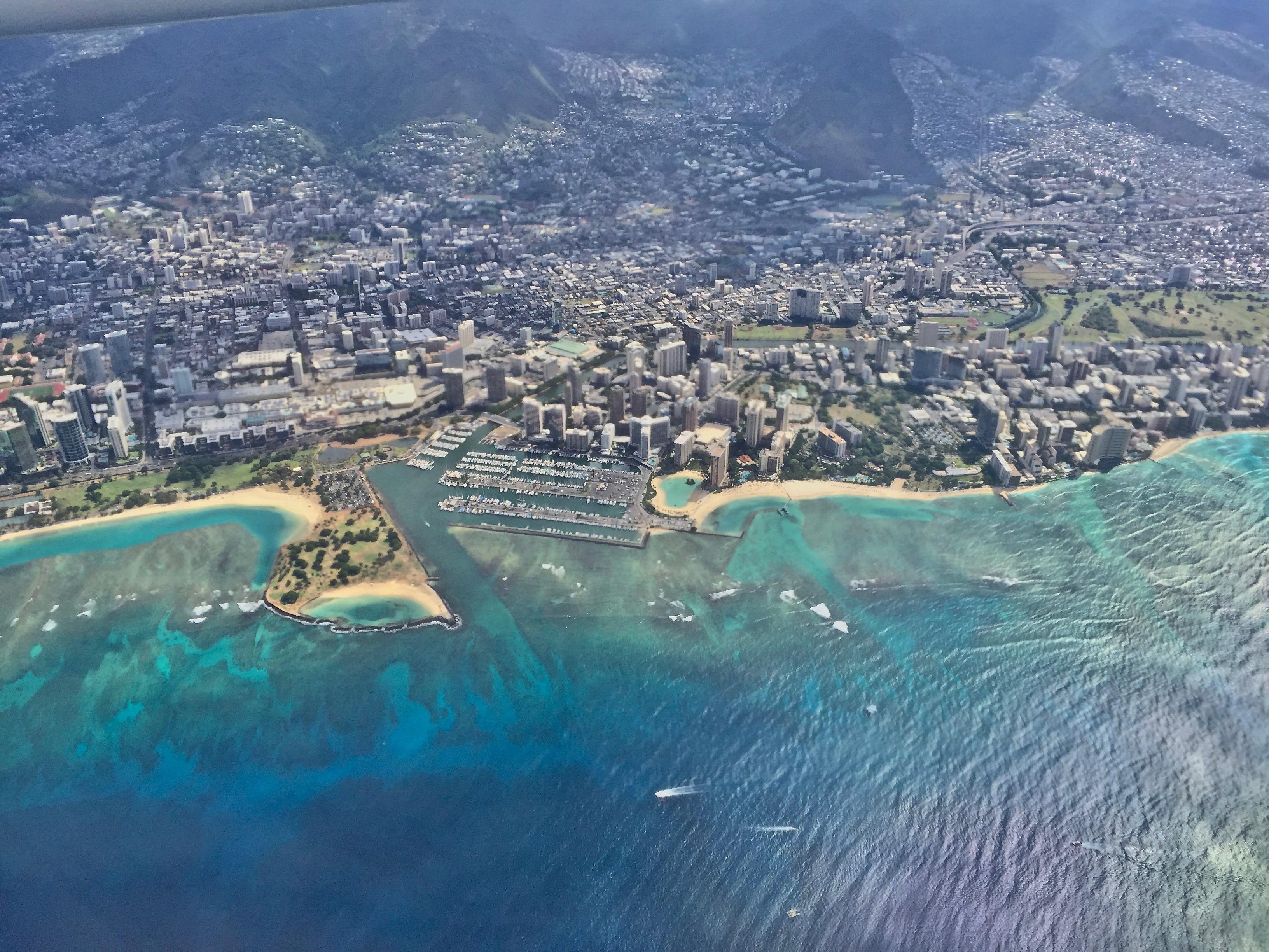 在飛機上拍的 Waikiki Beach