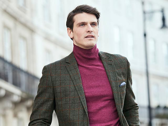 Roll Neck Knitwear: A Wardrobe Staple